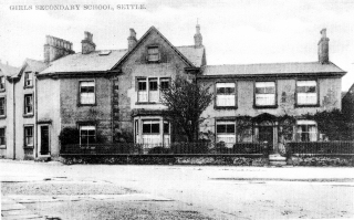 Photo: School (1) (JPG 54Kb); Girls Secondary School, Settle